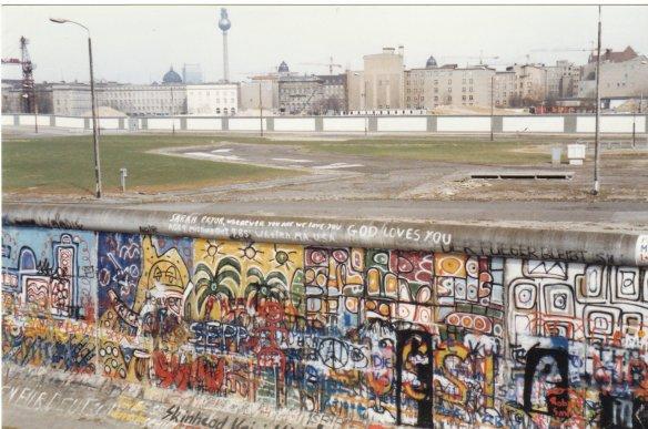 The wall at potsdammer platz, 1989