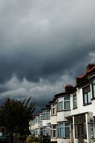 suburbia-croydon-england-rain-by-homemade-flickr
