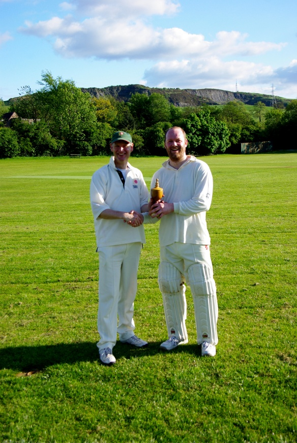 Skippers Robin and Mark exchange the Ashes