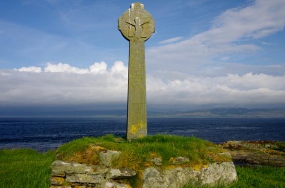 cross, MacCormaig isles, eilean mor